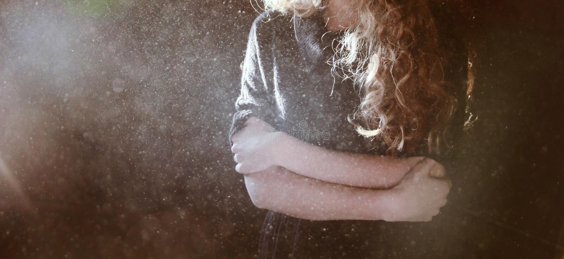 Känslig förkylning för kvinna royaltyfri foto