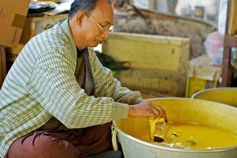 kärl- lacquerproduktion royaltyfri bild