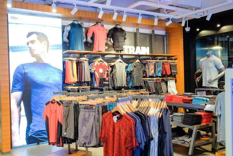 Kärleksaffär för inre shoppar från under på Siam Center bangkok thailand royaltyfri bild