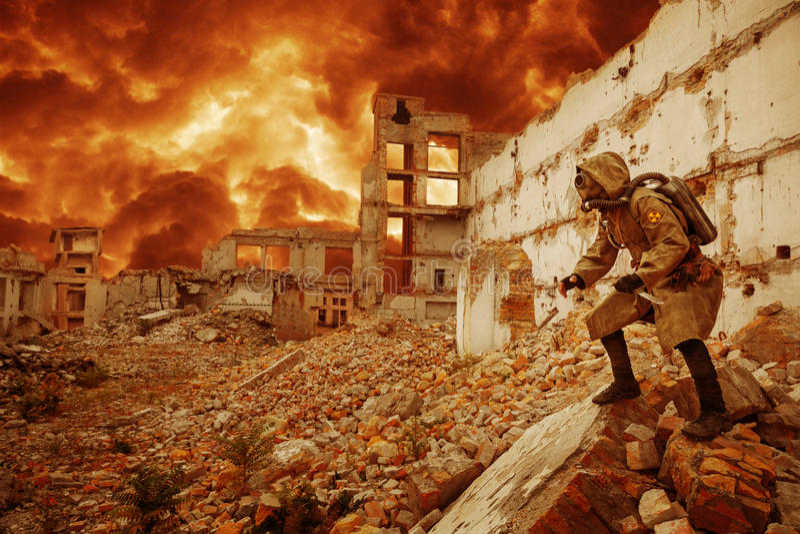 Kärn- apokalypsöverlevande royaltyfria bilder