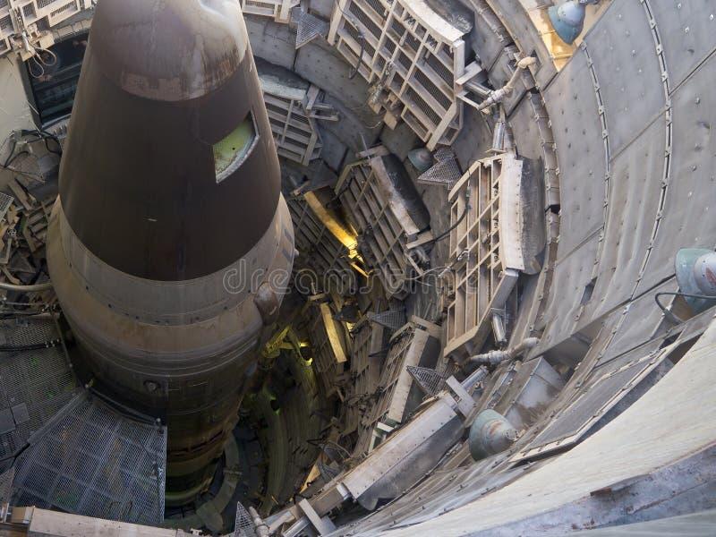 kärn- s silojätte för missil royaltyfria bilder