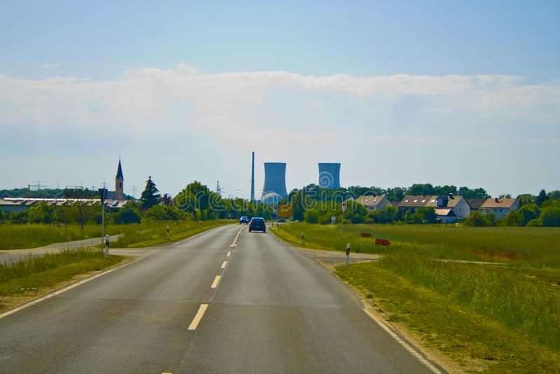 Kärnkraftverket i Bayern, i Tyskland royaltyfri foto