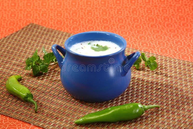 Kärnmjölk eller Punjabi Lassi, indisk drink arkivfoto