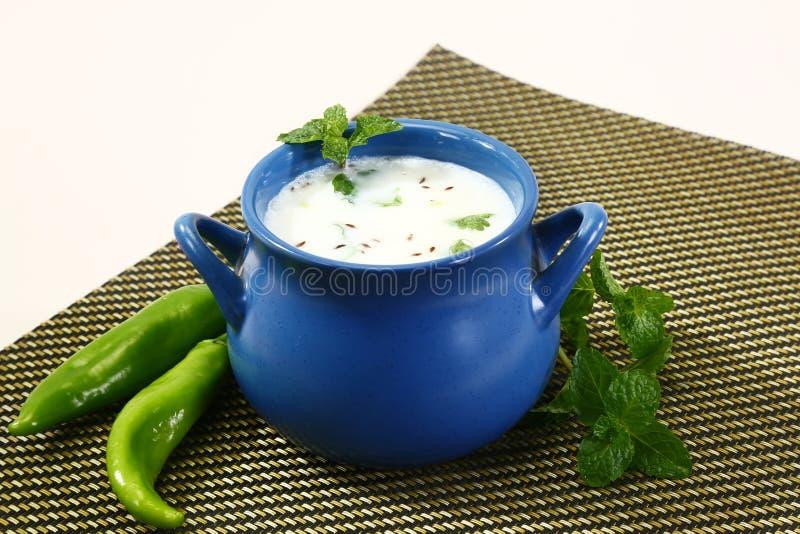 Kärnmjölk eller Punjabi Lassi, indisk drink arkivfoton