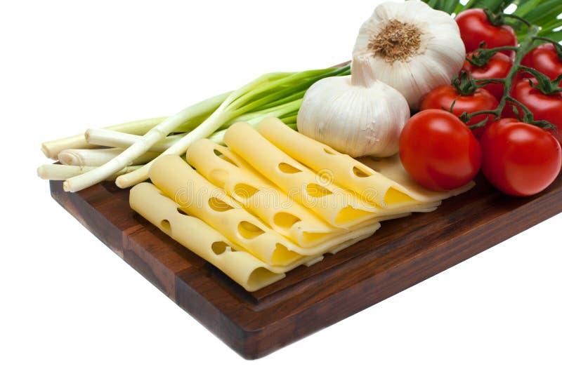 Käse, Knoblauch, Zwiebel. stockfoto