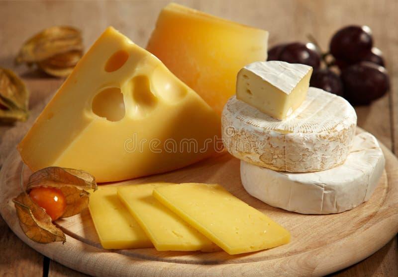 Käse und Früchte stockfoto