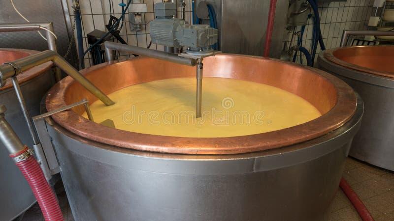 Käsefabrik in Allgau lizenzfreies stockbild