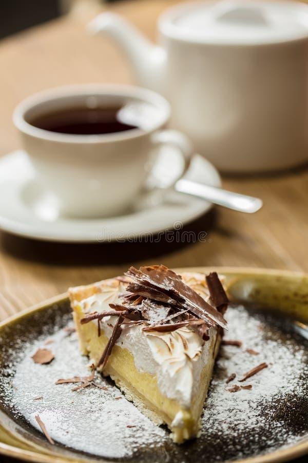 Käsekuchen mit Feinschmecker der Schokolade stockbilder