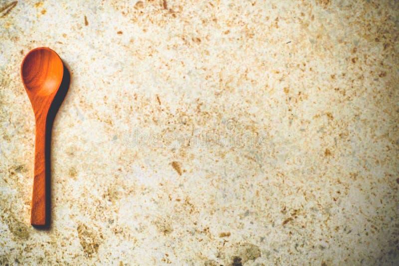 Kök för sked för kaffesked som litet trälagar mat bakgrund för utrymme för kopia för bordsservis för teskedungeglass royaltyfria bilder