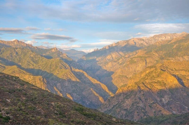 Könige Canyon in den Schatten lizenzfreie stockbilder