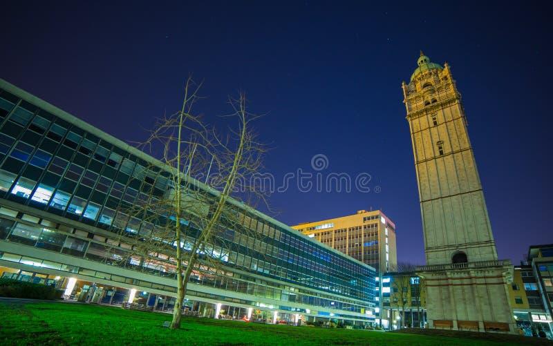Königin ` s Turm London nachts stockbild
