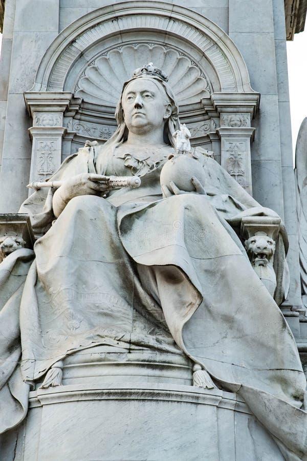 Königin Victoria auf ihrem Thron lizenzfreies stockbild