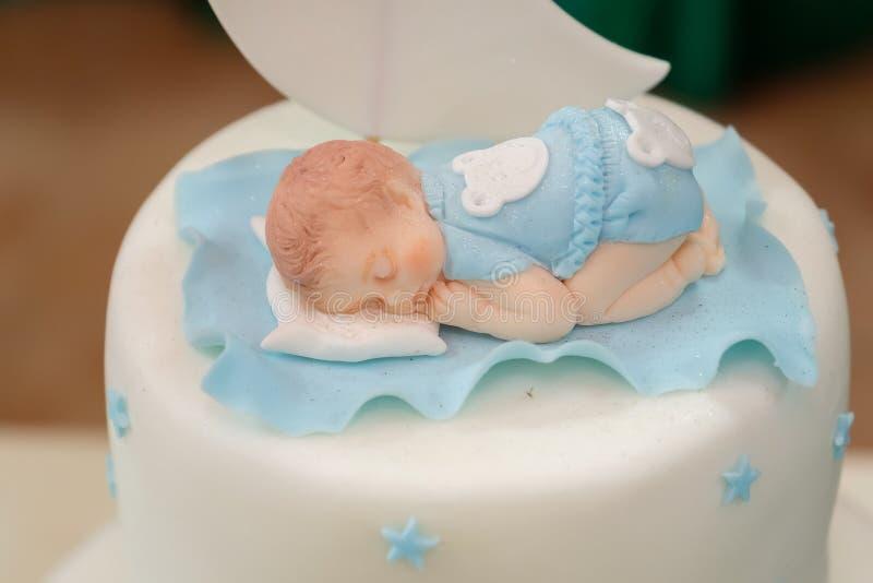 Königlich taufen Sie Kuchen mit Kerze stockbild