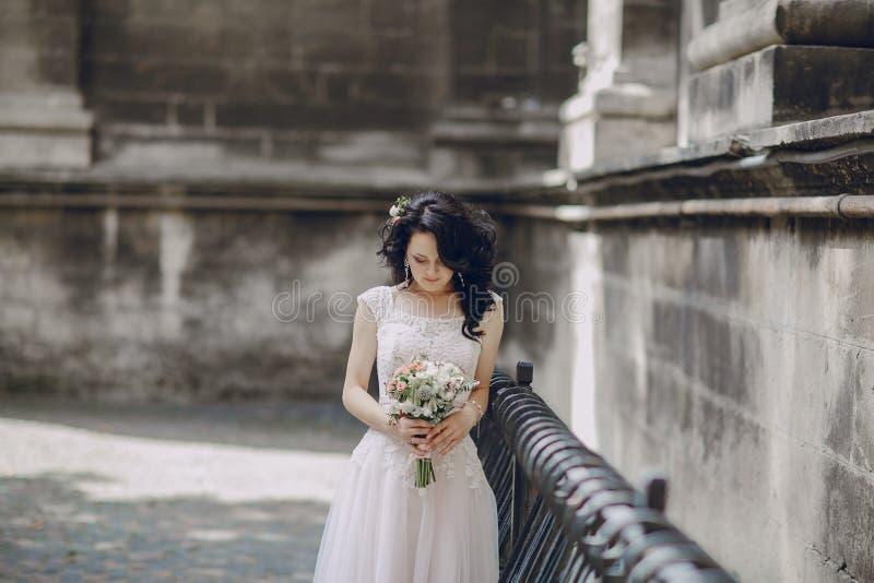 Königliche Hochzeit in der alten Stadt stockfoto