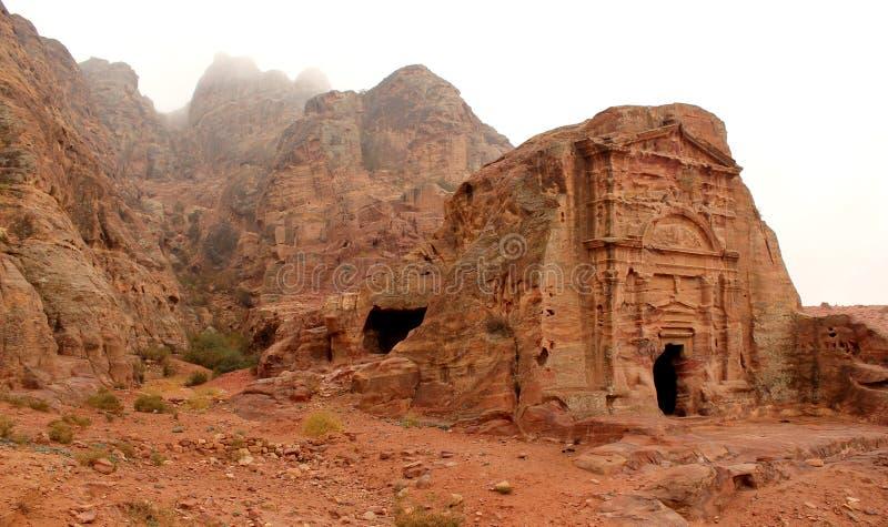 Königliches Grab in der verlorenen Felsenstadt von PETRA, Jordanien. lizenzfreie stockfotografie
