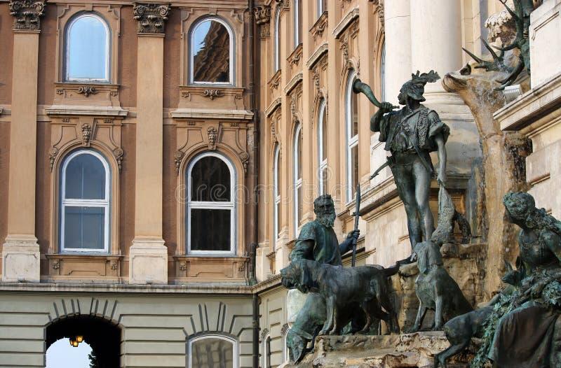 Königliches Schloss Matthias-Brunnen Buda stockbild