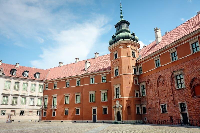 Königliches Schloss in Warschau - Yard stockfotos