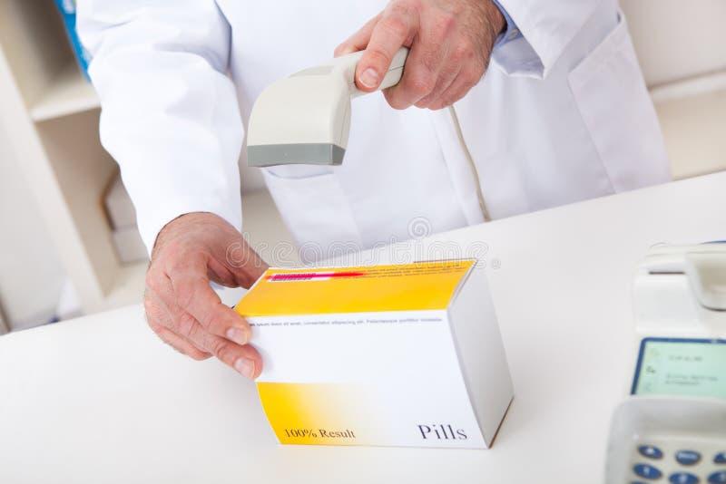 köpande medicinapotek fotografering för bildbyråer