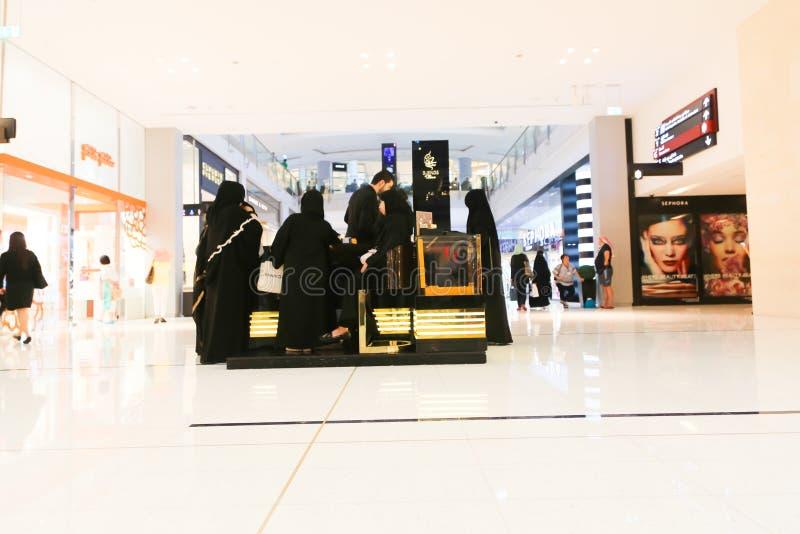 KöpcentrumDubai galleria royaltyfri foto
