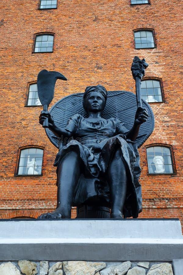 Köpenhamn Danmark - Juli 10, 2018 Monument till Queen Mary på kanalbanken arkitektur monument arkivfoton