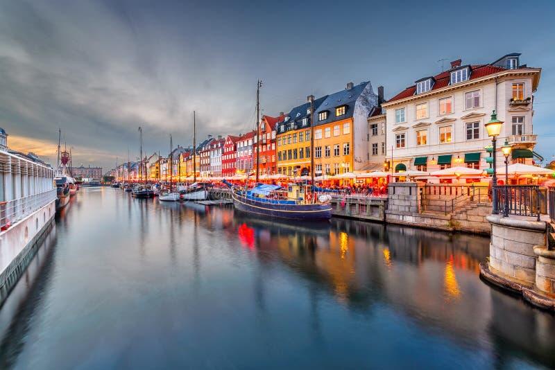 Köpenhamn Danmark kanal royaltyfria foton