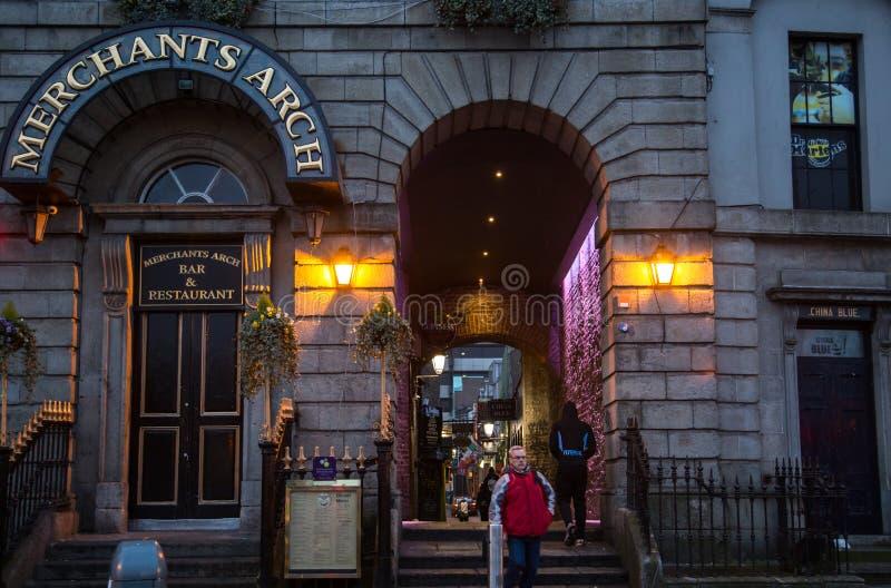 Köpmanbåge i Dublin royaltyfria foton