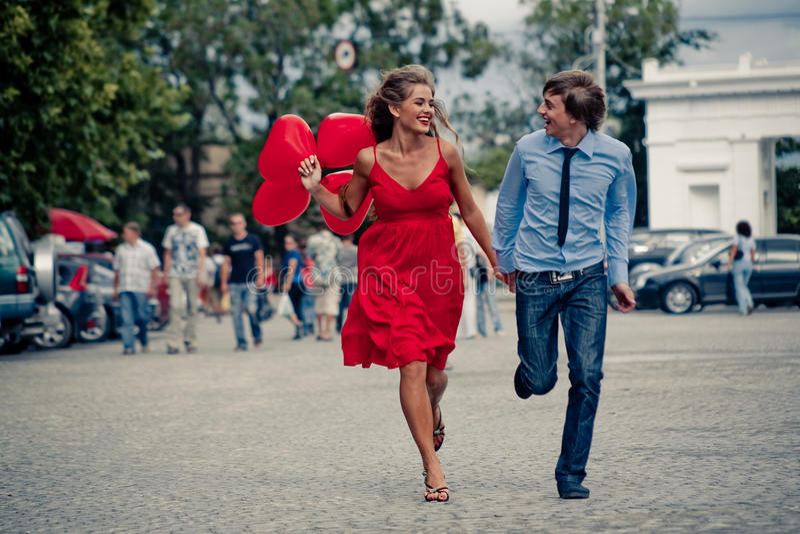köra för par som är tonårs- arkivbilder