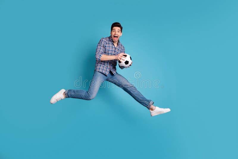 Körpergrößen-Ansichtfoto in voller Länge des entsetzten flippigen lustigen Jugendgriff-Handrufs freuen sich genießen Energie, mod lizenzfreies stockbild