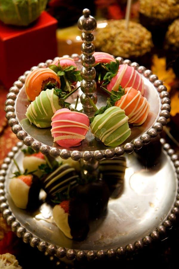 Köstliche überzogene Erdbeeren lizenzfreies stockbild