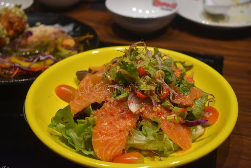 Köstliche japanische Nahrung am japanischen Restaurant stockbild