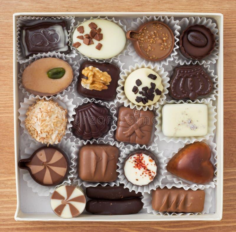 Köstliche Schokoladenpralinen lizenzfreie stockfotos
