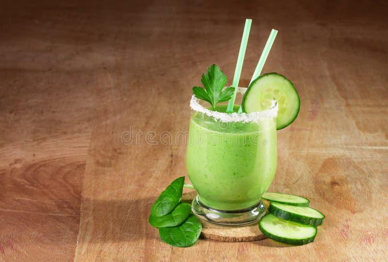 Köstlicher Gemüsesmoothie lizenzfreies stockfoto