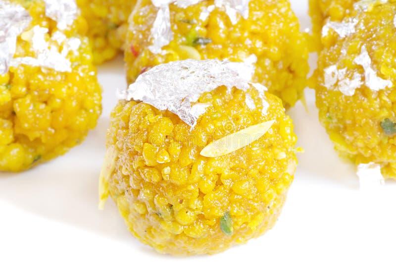 Köstlicher indischer Bonbon, Laddu stockbilder