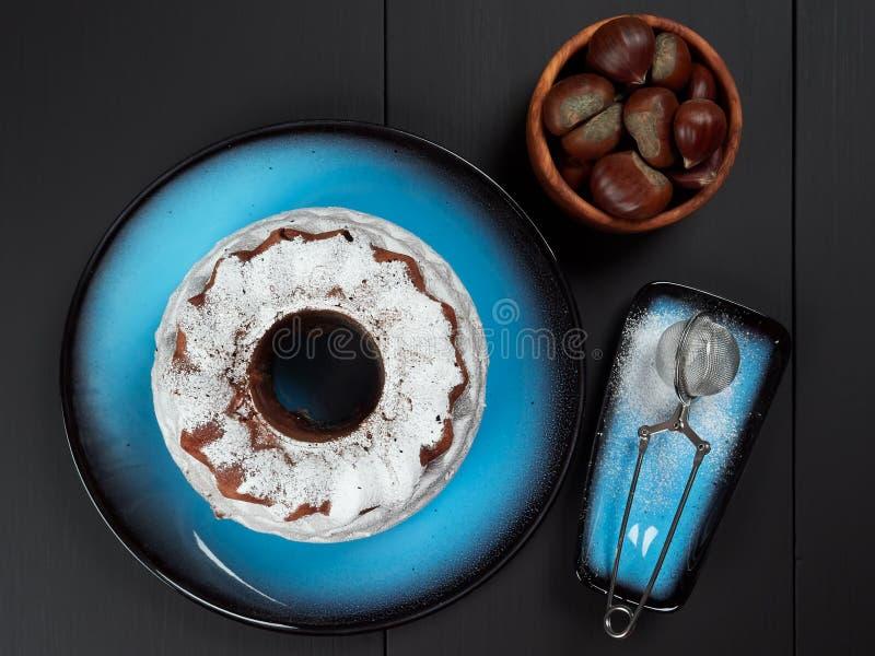 Köstlicher Kastanie bundt Kuchen lizenzfreie stockfotos