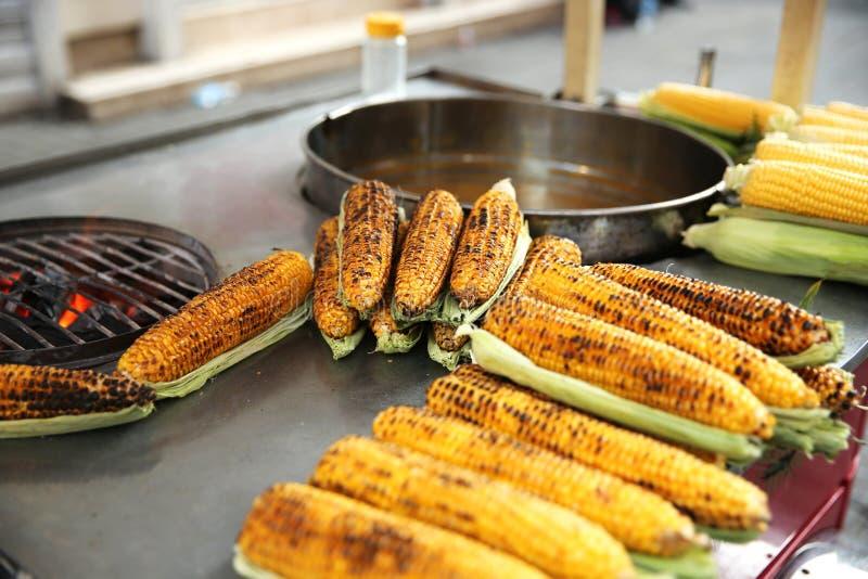 Köstlicher Mais in Istanbul lizenzfreies stockbild
