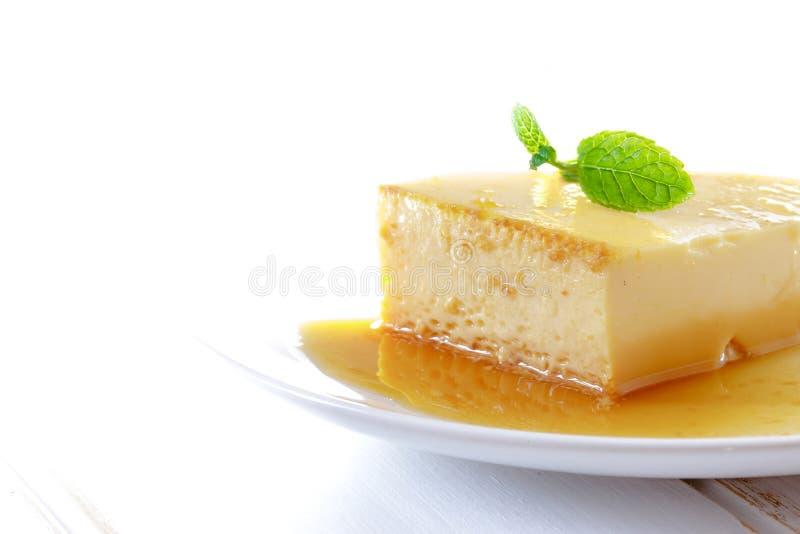 Köstlicher selbst gemachter Panna-Cottanachtisch Karamellpudding, Karamellvanillepudding, Vanillepuddingpudding, Obsttorte stockbild