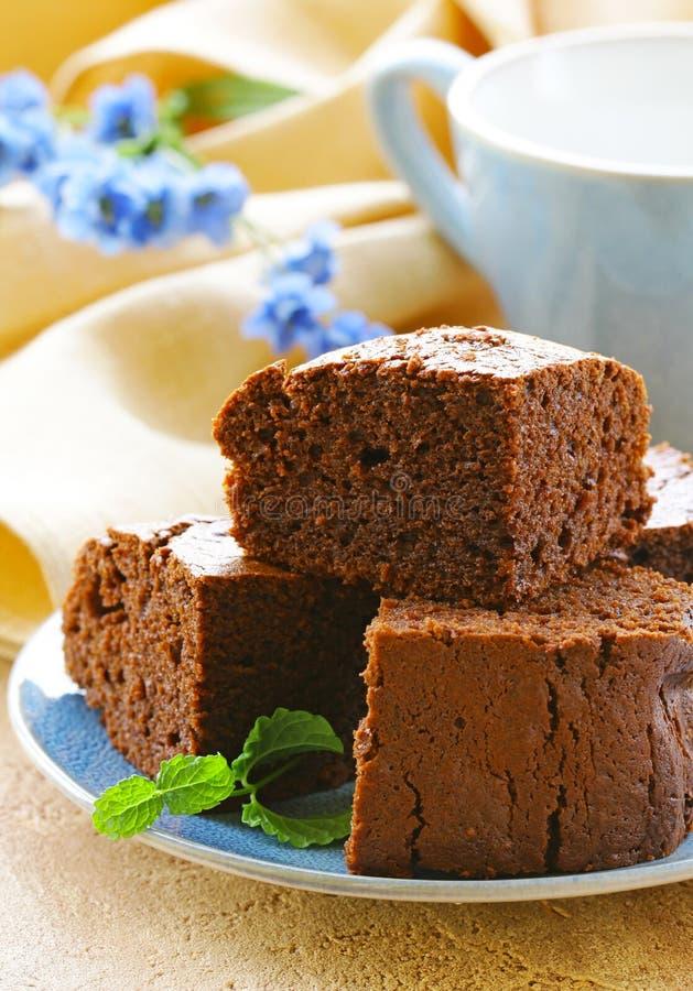 Köstlicher selbst gemachter Schokoladenschokoladenkuchenkuchen stockbilder