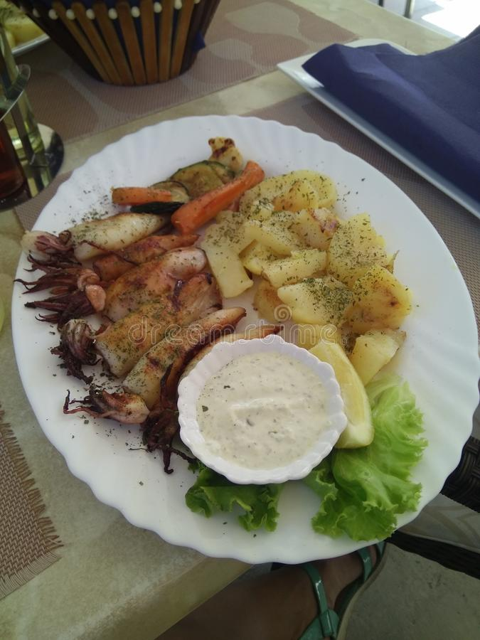 Köstlicher Teller in einem guten Restaurant stockfotografie