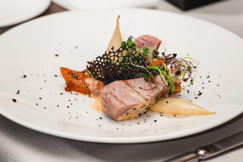 Köstlicher Thunfisch in einem Restaurant kleiner Teil lizenzfreie stockfotografie