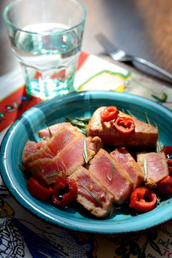 Köstliches Thunfischsteak lizenzfreies stockfoto