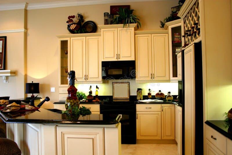 Download Küche stockfoto. Bild von mikrowelle, halterung, schwarzes - 867884