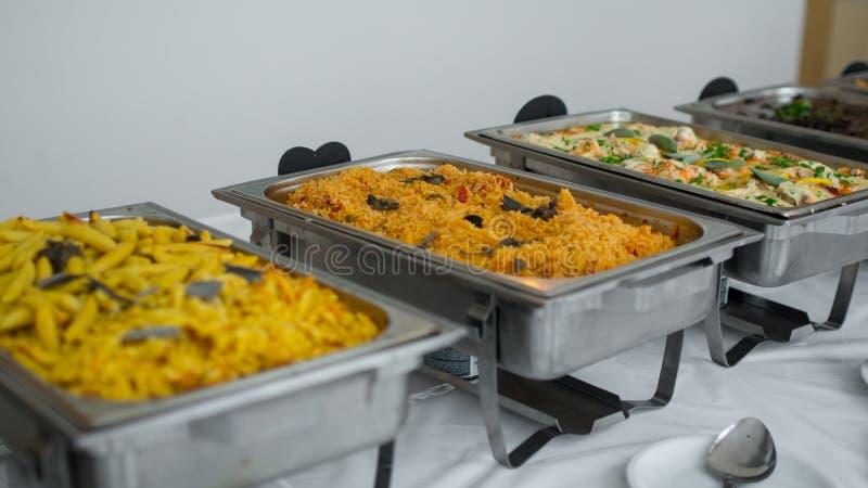 Küche-kulinarische Buffet-Abendessen-Verpflegung, die Lebensmittel-Feier-Partei-Konzept speist stockbilder