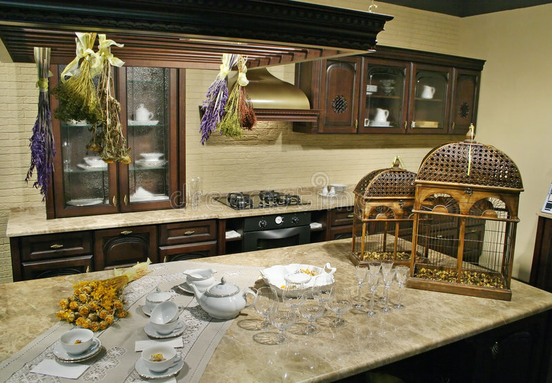 Küche mit Korb stockfotografie
