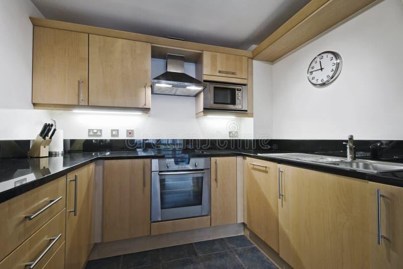 Küche mit Steinworktop stockfotos
