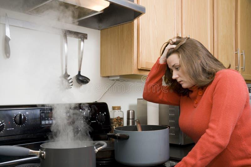 Küchefrustrationen lizenzfreie stockfotografie
