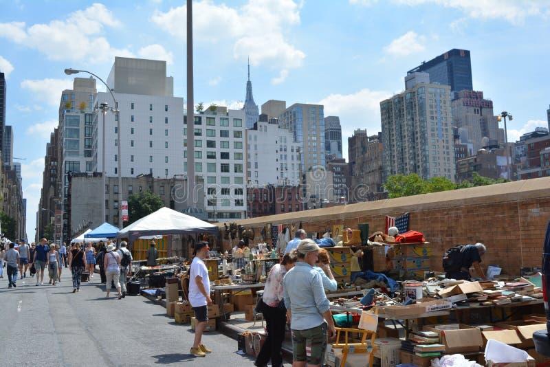 Küchen-Flohmarkt der Hölle redaktionelles foto. Bild von ...