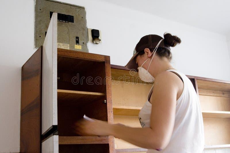 Kücheumarbeitung lizenzfreies stockbild