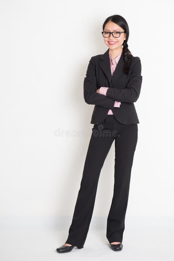 Kühle asiatische Geschäftsfrau lizenzfreie stockfotos