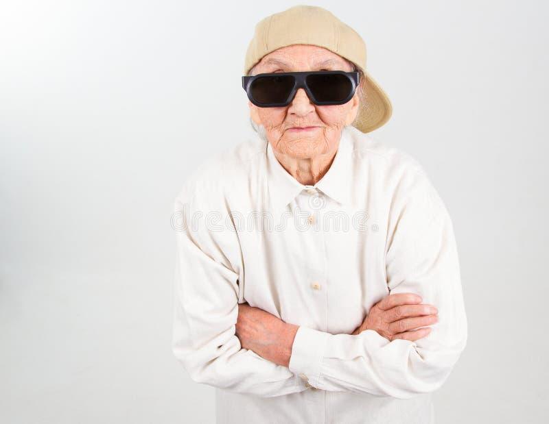 Kühle Großmutter stockfoto