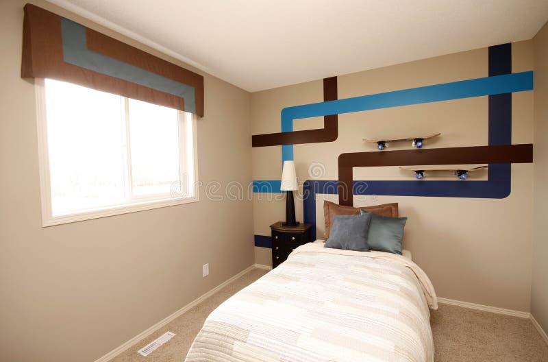 Kühles Jungen-Schlafzimmer stockbilder